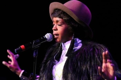 #5 Lauryn Hill is released from prison. She launches a new single. Year = complete.